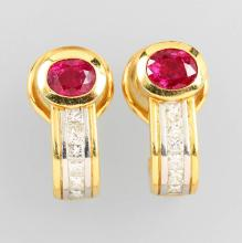 Pair of 18 kt gold earclips with rubies and diamonds
