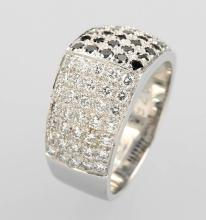 18 kt gold ring with brilliants by WEMPE
