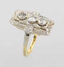 14 kt gold ring with diamonds