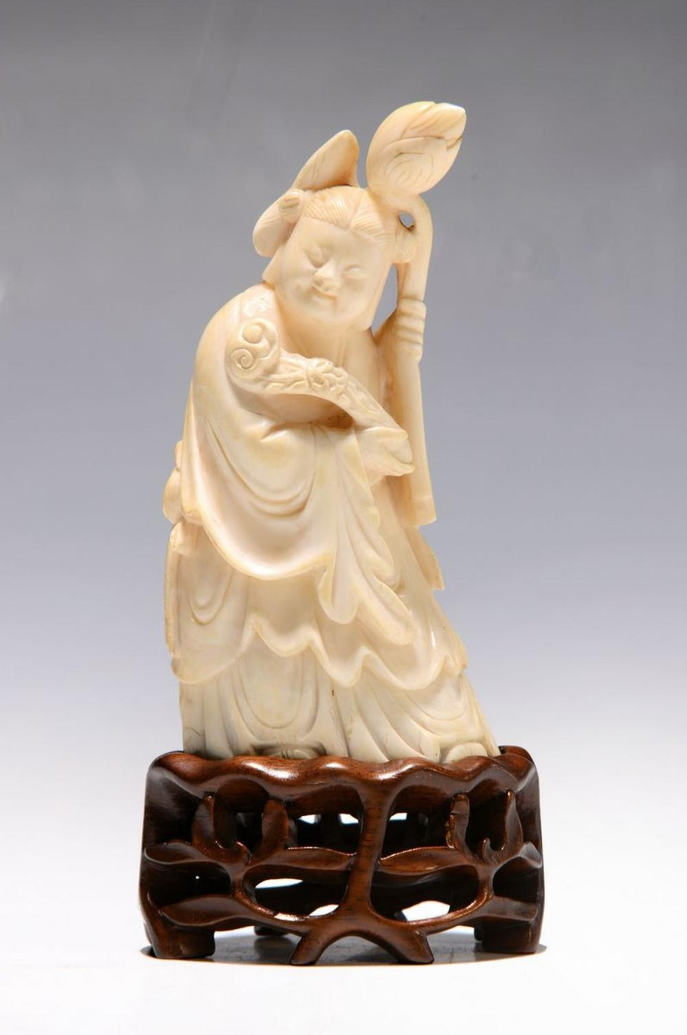 ivory carving, China, around 1900, Guanyin, sculptured