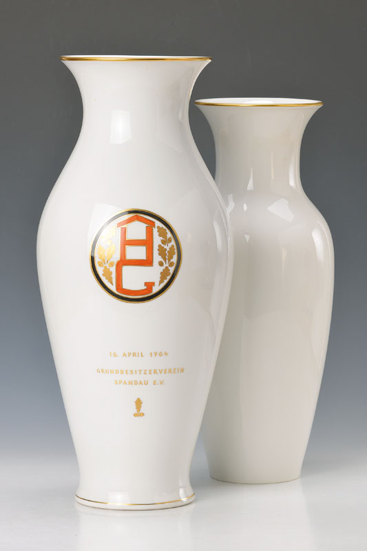 2 large vases