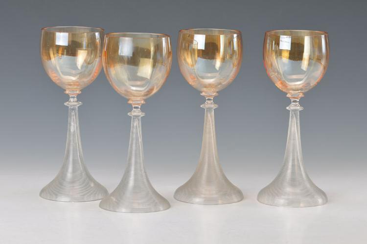 4 wine glasses