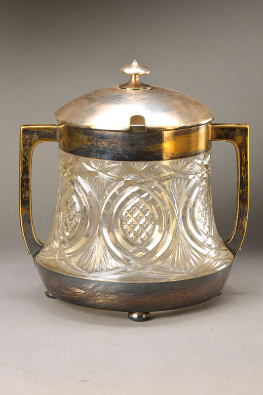 Large lidded punch vessel