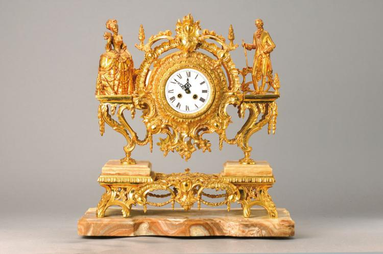 pompous table clock