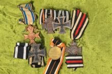 decorations/symbols of honor