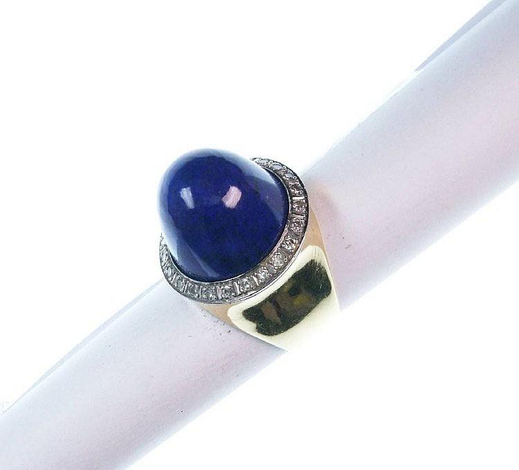 Ring mit Lapislazuli und Diamanten, GG 750/000,