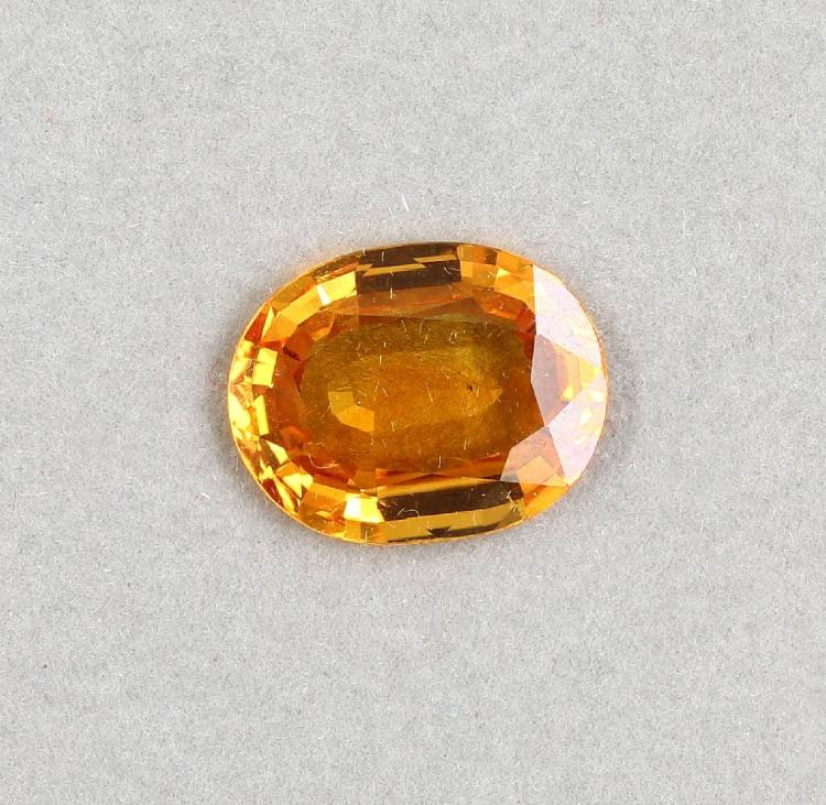 Loose, oval bevelled sapphire