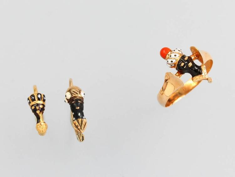14 kt gold lot comprised of: Pair of earrings and ring blackamoor