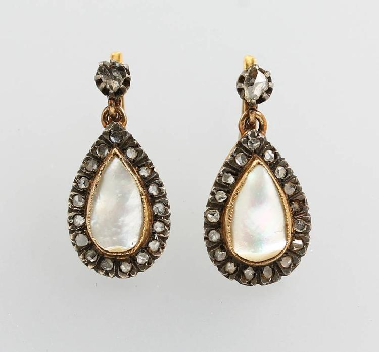 Pair of earrings with mother of pearl and diamonds, german approx. 1870, YG 750/000 and silver