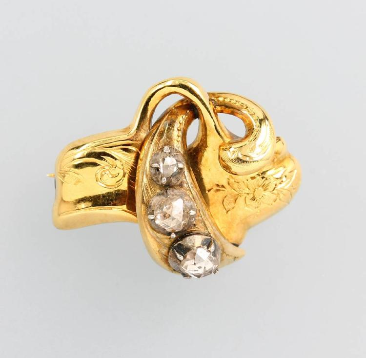 14 kt gold brooch with diamonds