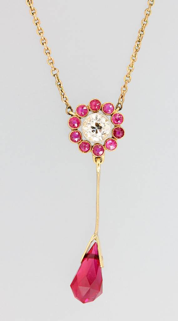 14 kt gold necklace with diamond and rubies