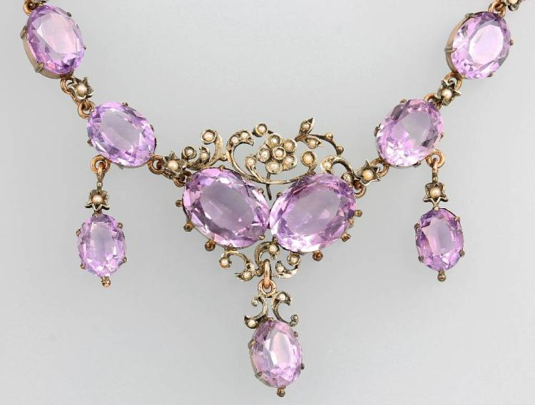 Necklace with amethysts and pearls