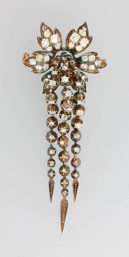 Brooch with diamonds, England approx. 1870, YG 375/000 and silver
