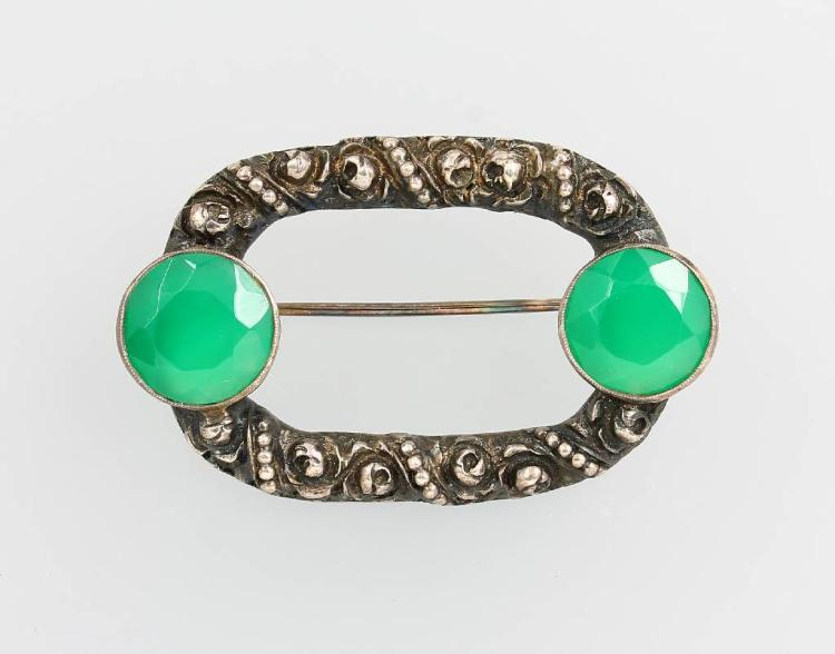 THEODOR FAHRNER brooch with chrysoprases
