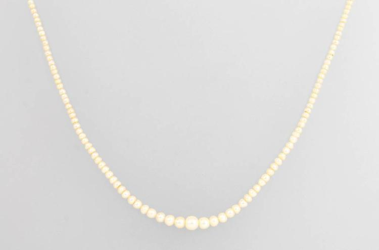 Necklace made of oriental pearls, approx. 1880