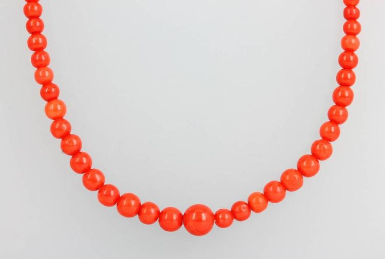 Necklace with coral, Italy approx. 1900