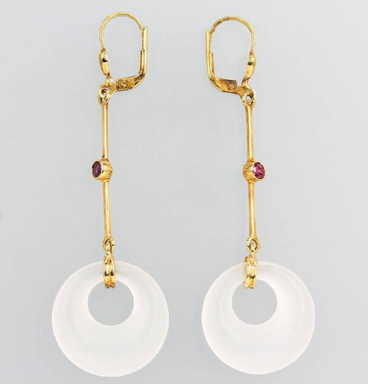Pair of 14 kt gold earrings with rock crystal and rubies