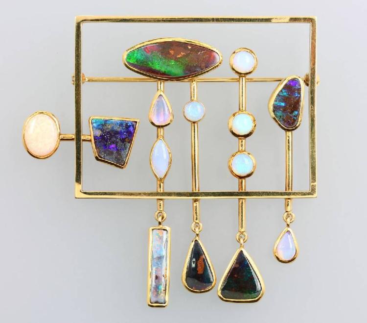 14 kt gold brooch, design form 1980s