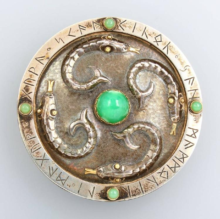 Scarfclip with chrysoprase, german approx. 1935