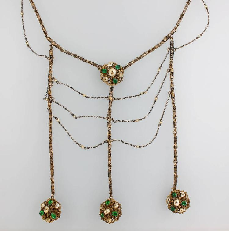 Necklace with rhine stones and mother of pearl