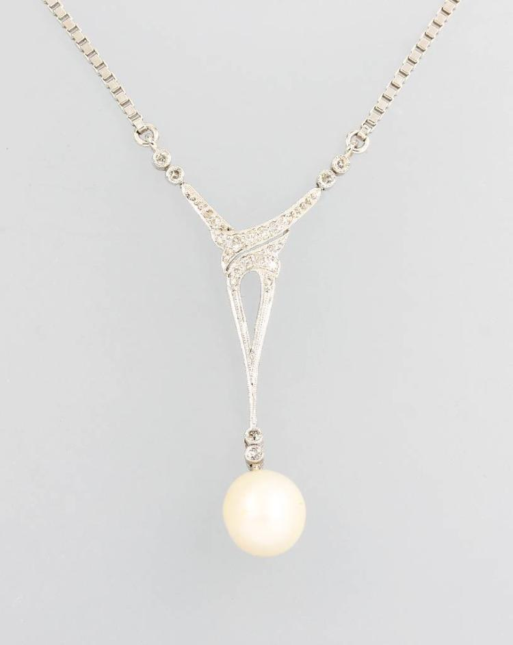 Art Nouveau necklace with diamonds and cultured pearl, platinum