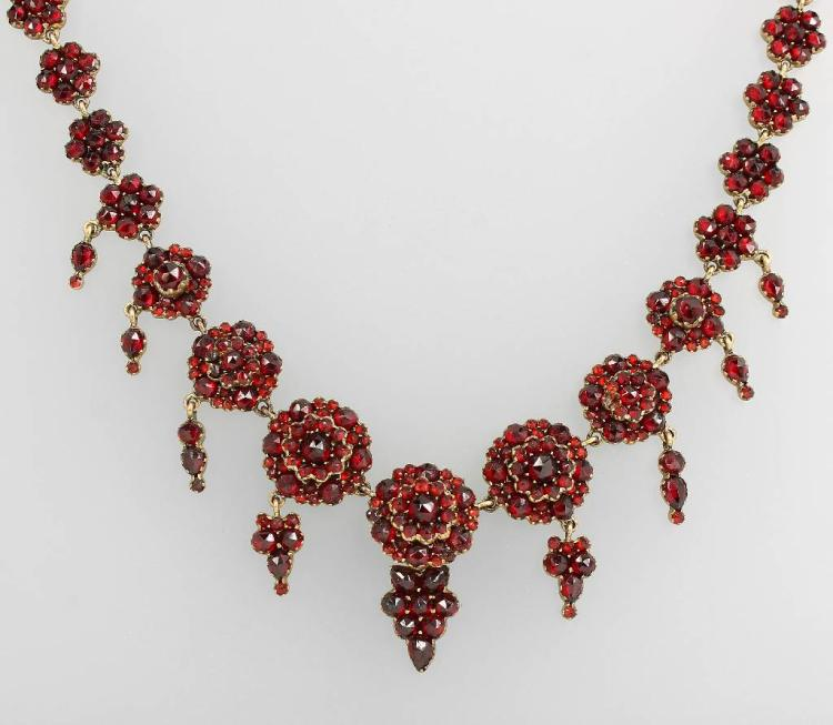 Necklace with garnets, tombac