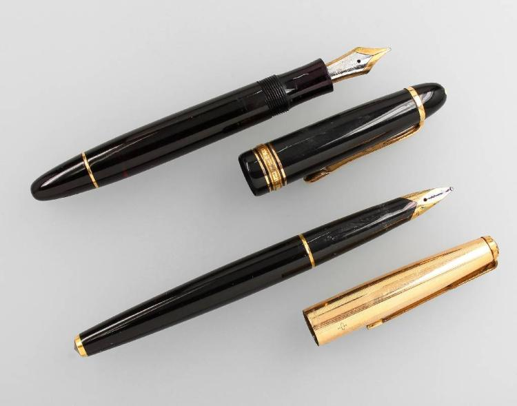 Lot 2 fountain pen, 1970s