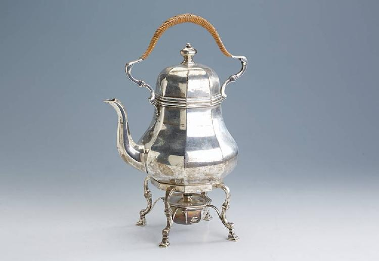 Teapot on portable hearth, England/London approx. 1894