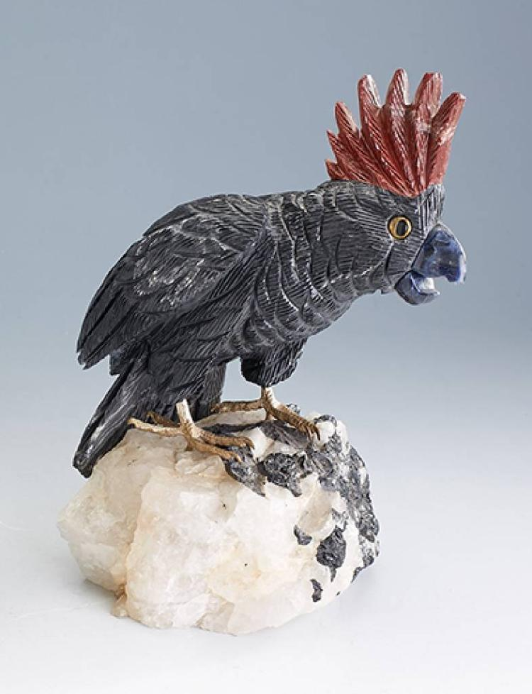 Scupture 'cockatoo', vividly cockatoo made of lazulite