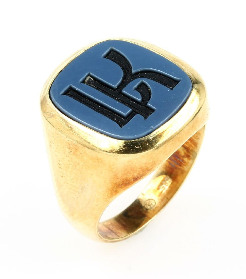 14 kt gold-gents ring with layer stone
