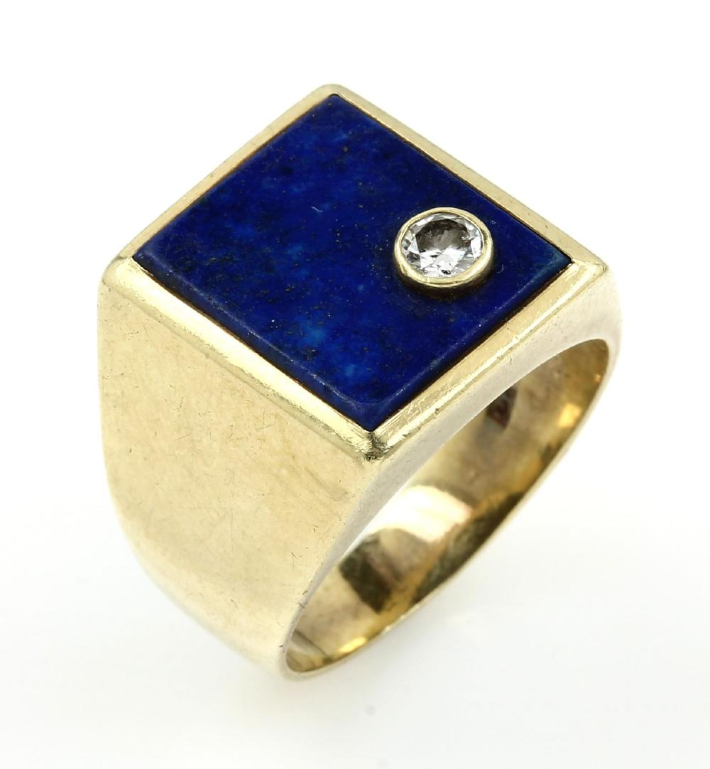 14 kt gold gents ring with diamond and lapis lazuli
