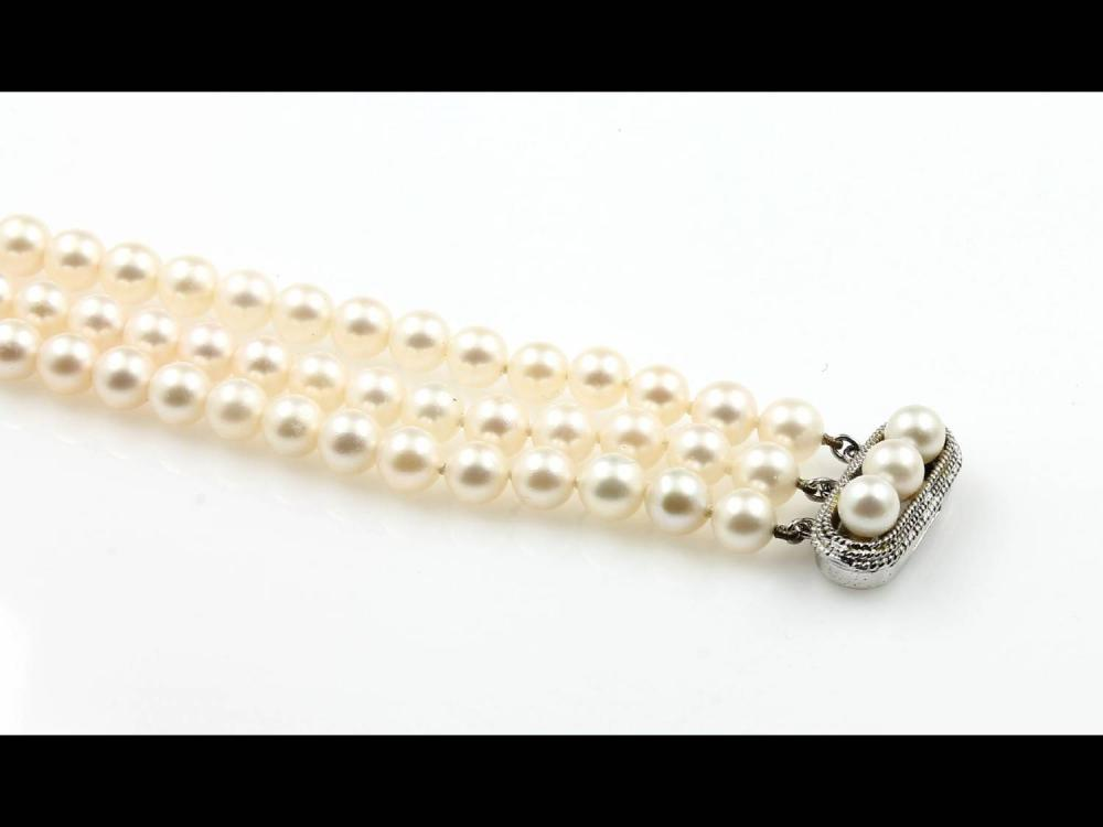 3-rowed bracelet with cultured pearls