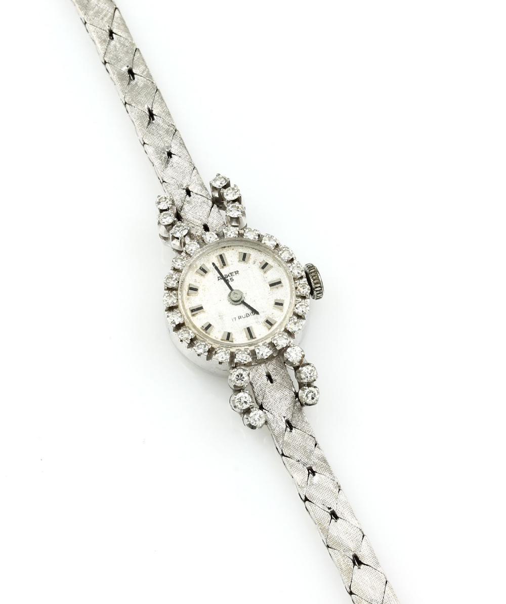 14 kt gold Ladies' wristwatch with diamonds