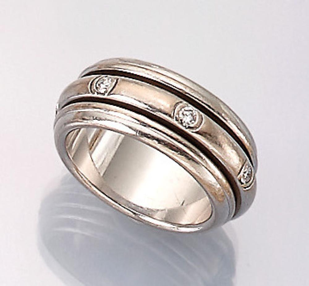18 kt gold PIAGET ring with brilliants