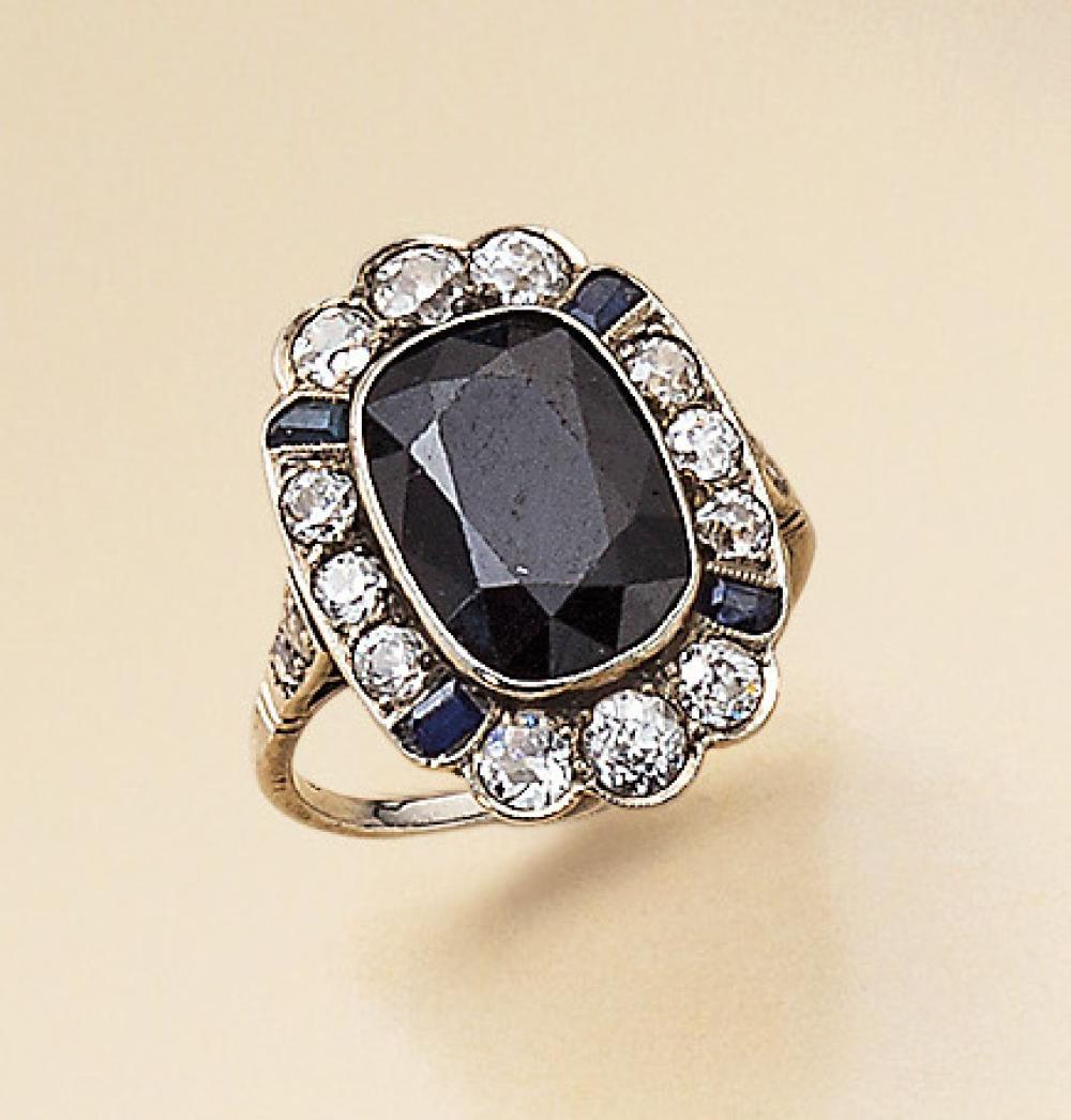 14 kt gold Art-Deco ring with onyx