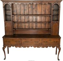An English Queen Anne-Style Oak and Pine Dresser, 19th century 83-1/4 h x 83 w x