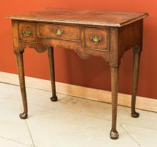 An Queen Anne Walnut Dressing Table, 18th century 28-1/