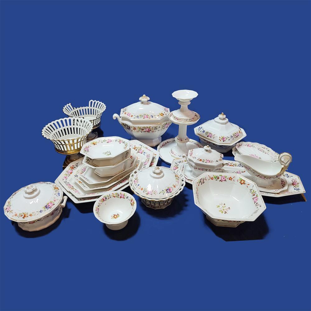 German Meissen Manner 144pc Unsigned Antique China Set