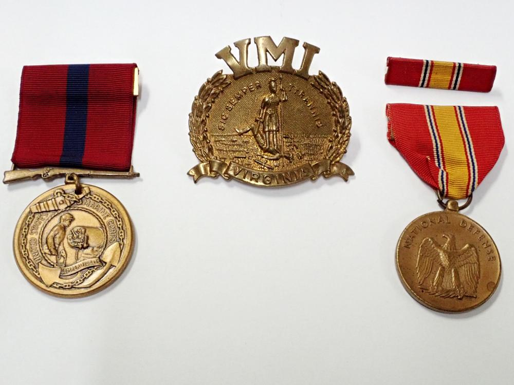 Lot of Antique United States Military Medals & Hat Plate