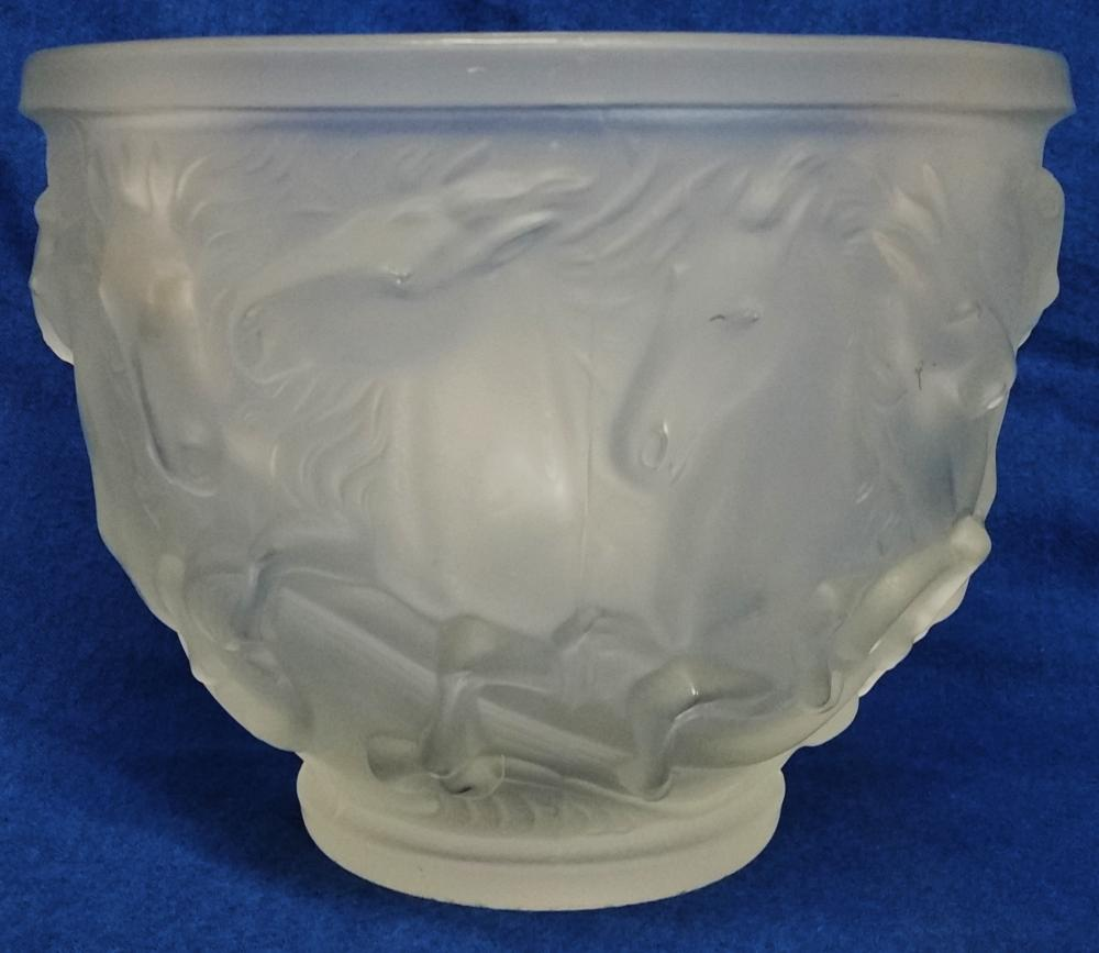 Vintage Manner Of Lalique French Art Glass Frosted Relief Horse Bowl Unsigned