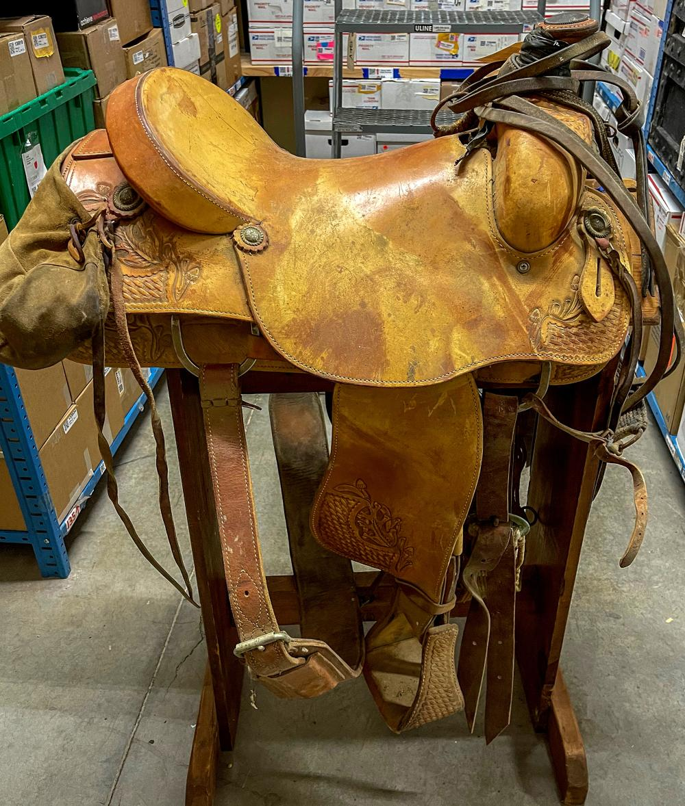 Western Saddle w/Stow-Away Cantle Pack & Sterling Accents [124494]