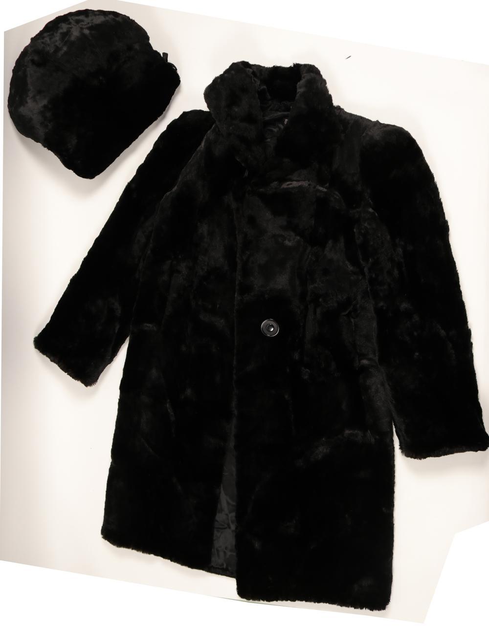 Coat, Ladies Short Nap, Black Fur with Fur Hand Warmers   (91340)