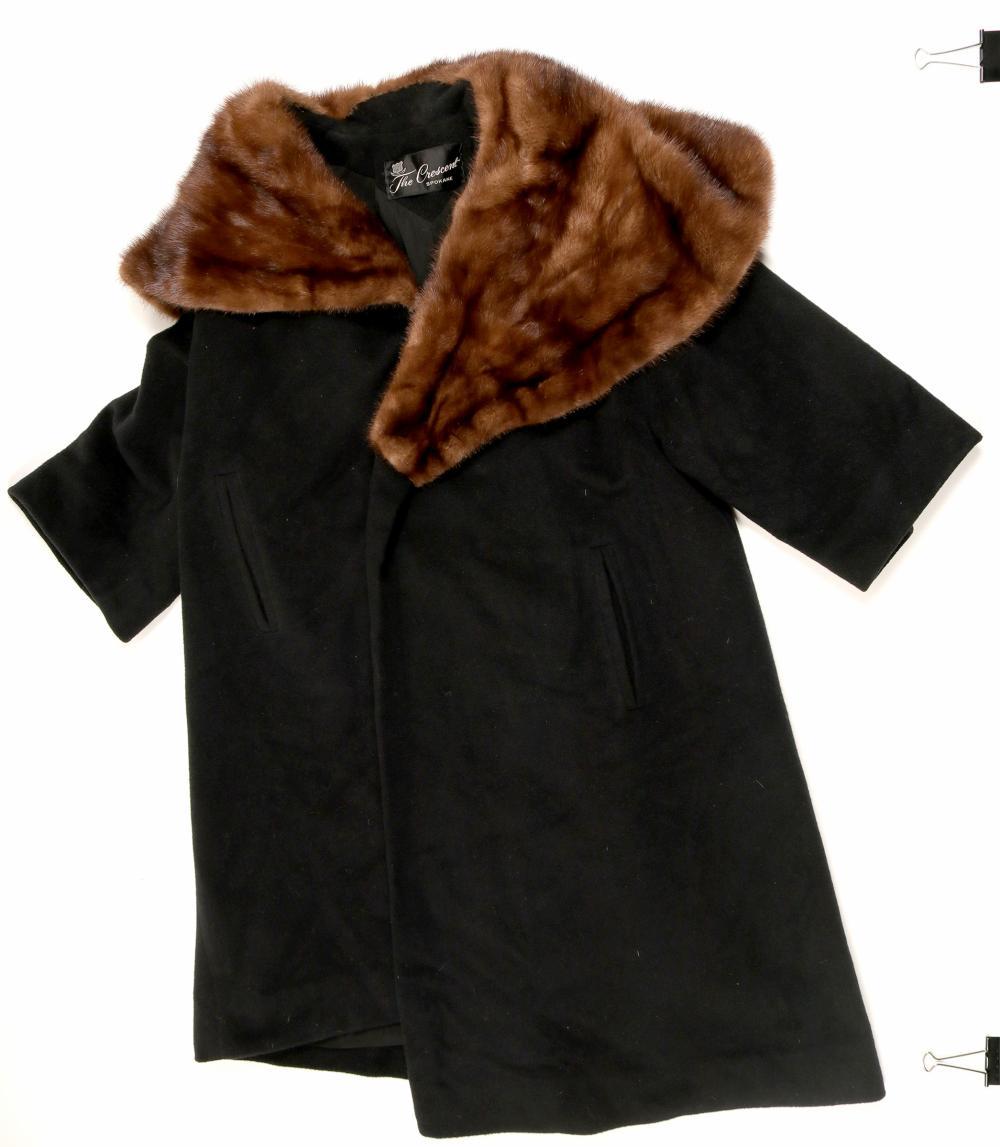 Ladies Cashmere/Fur Collar Coat   (91338)