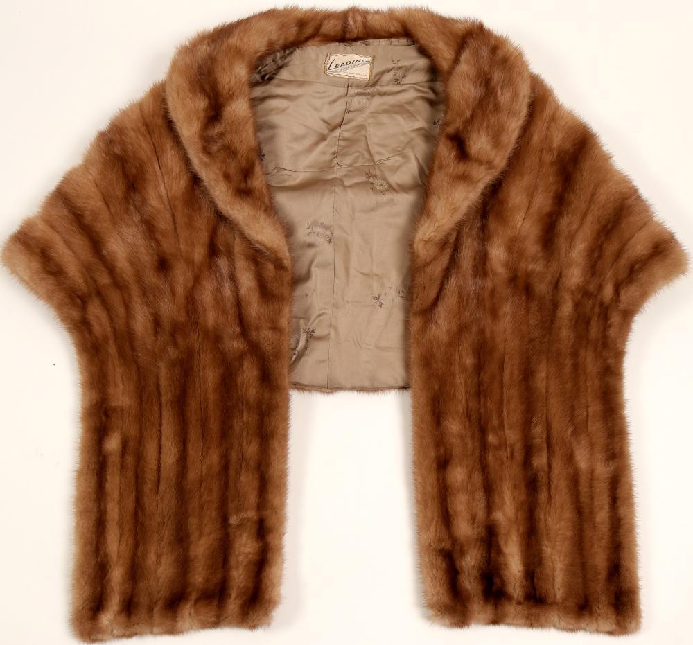 Shawl, Fur   (91343)