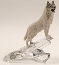Lot 1032: Sculpture, Cry of the North (White Wolf of the Arctic) (105736)