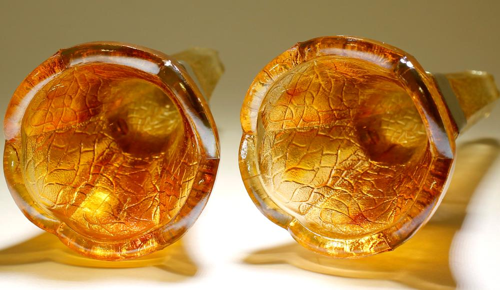 Carnival Glass/ Coach or Car Vases   (80076)