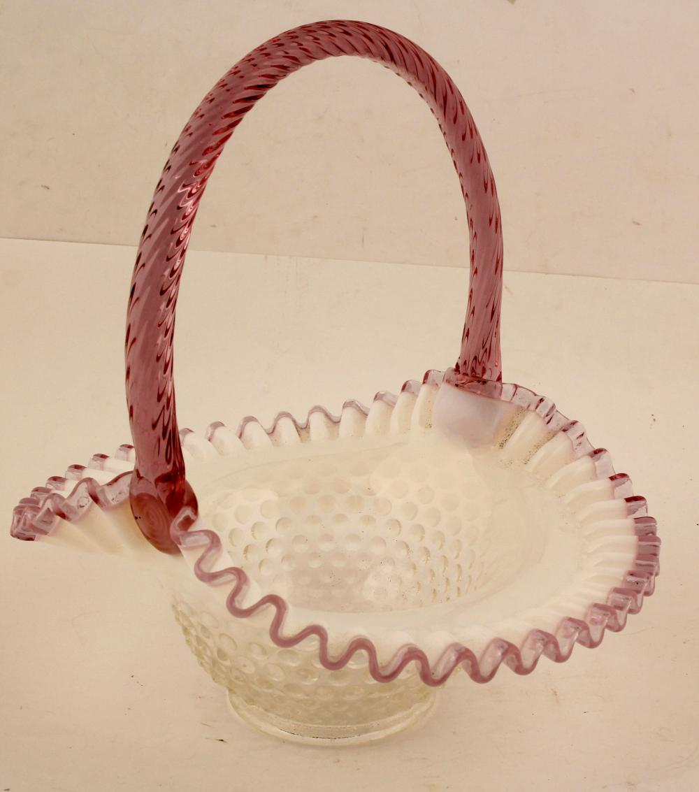 Hobnail Basket , With handle. ( By Fenton )   (81118)