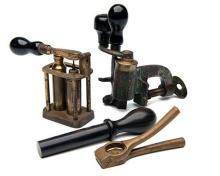 A COLLECTION OF VINTAGE 10-BORE RELOADING TOOLS,