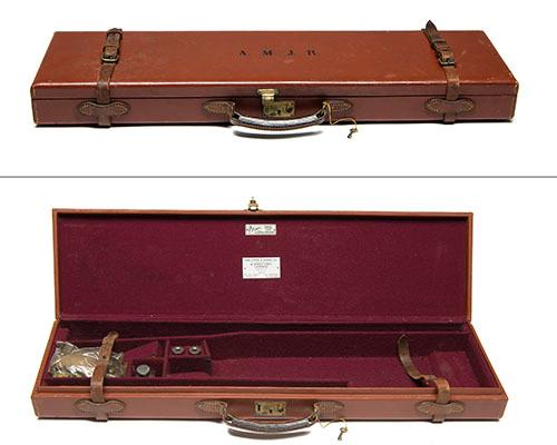 GALLYON & SONS LTD A LIGHTWEIGHT LEATHER SINGLE BRADY GUNCASE,