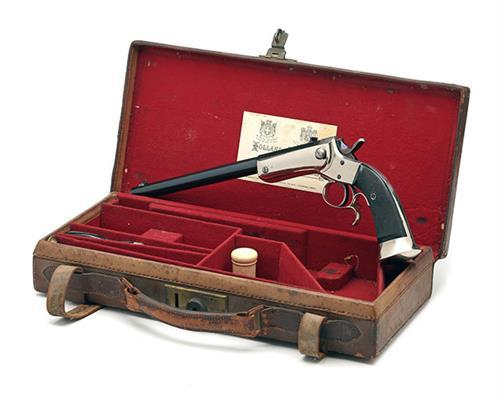 HOLLAND & HOLLAND, LONDON AN UNUSUAL CASED .22 (L/R) SINGLE-SHOT TARGET-PISTOL, no visible serial number,